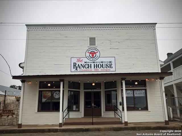 313 11TH ST, Bandera, TX 78003 (MLS #1433376) :: Carolina Garcia Real Estate Group