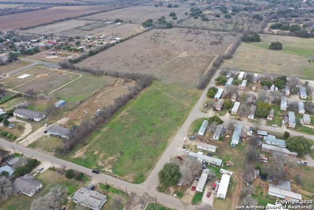 0 Ave P & 11Th St, Hondo, TX 78861 (#1433512) :: The Perry Henderson Group at Berkshire Hathaway Texas Realty