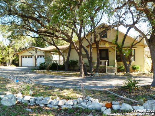 7335 Whartons Dock Rd, Bandera, TX 78003 (MLS #1433607) :: The Gradiz Group