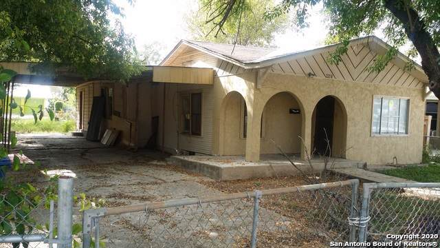 2218 Leal St, San Antonio, TX 78207 (MLS #1433699) :: Alexis Weigand Real Estate Group