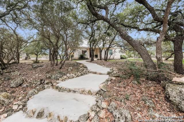 106 Hoskins Trail, Boerne, TX 78006 (MLS #1433710) :: Neal & Neal Team