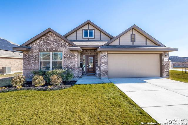 1925 Sunspur Rd, New Braunfels, TX 78130 (#1433806) :: The Perry Henderson Group at Berkshire Hathaway Texas Realty