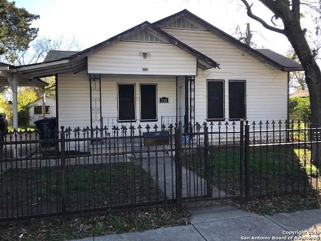 218 Baker Ave, San Antonio, TX 78211 (#1434137) :: The Perry Henderson Group at Berkshire Hathaway Texas Realty