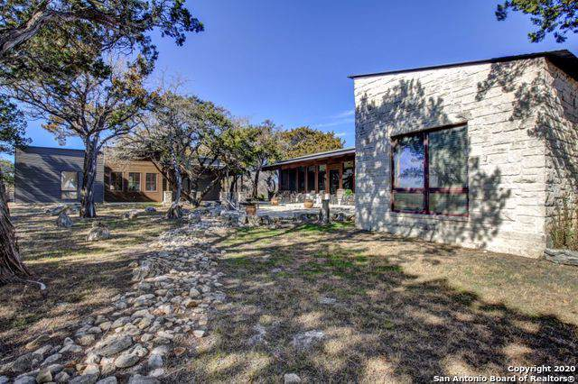 285 La Reata Rd, Kerrville, TX 78028 (MLS #1434301) :: Glover Homes & Land Group