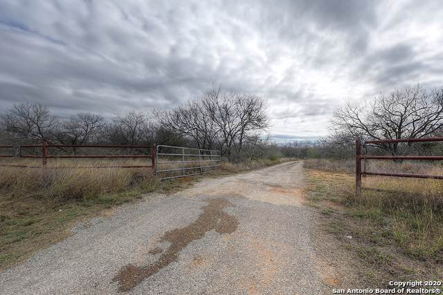 4160 Fm3175, Lytle, TX 78052 (MLS #1434342) :: Glover Homes & Land Group