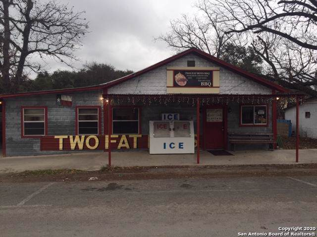 107 N Nueces St, Camp Wood, TX 78833 (MLS #1434520) :: Carolina Garcia Real Estate Group
