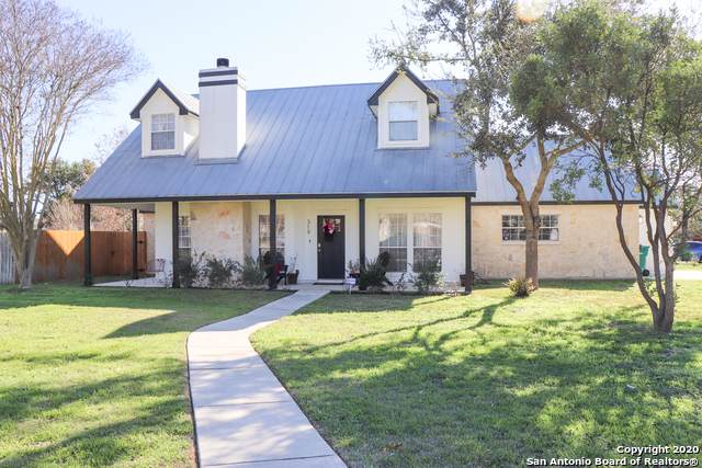 319 Chaparral Creek Dr, Boerne, TX 78006 (MLS #1434605) :: Alexis Weigand Real Estate Group