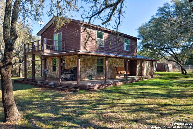 226 Broken Spur Dr, Mountain Home, TX 78058 (MLS #1434674) :: Glover Homes & Land Group