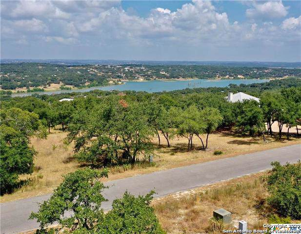 1502 Bella Vista, Canyon Lake, TX 78133 (MLS #1434710) :: Reyes Signature Properties