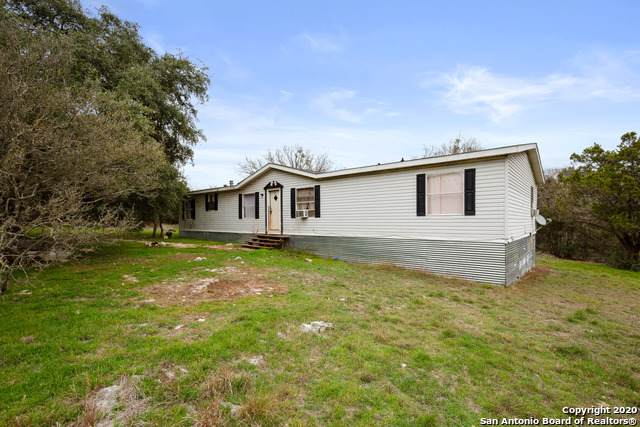 1085 Billy Bluff Trail, San Marcos, TX 78666 (#1434728) :: The Perry Henderson Group at Berkshire Hathaway Texas Realty