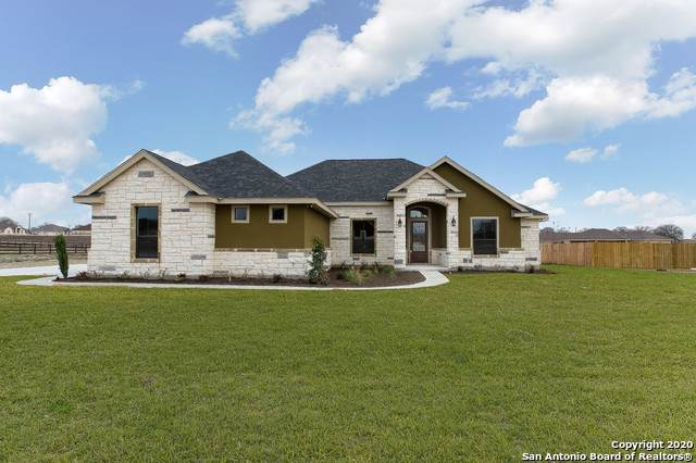 323 Abrego Lake Dr, Floresville, TX 78114 (MLS #1434828) :: Alexis Weigand Real Estate Group