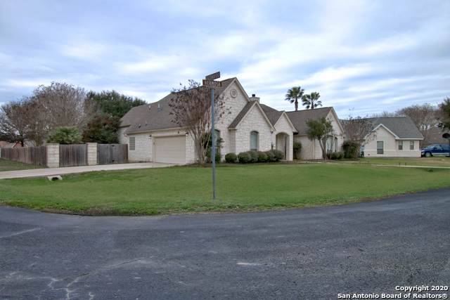 214 Hermosa, Seguin, TX 78155 (MLS #1434900) :: Carolina Garcia Real Estate Group