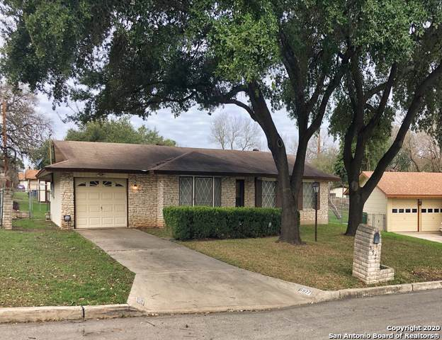 5927 Gabor Dr, San Antonio, TX 78240 (#1434931) :: The Perry Henderson Group at Berkshire Hathaway Texas Realty