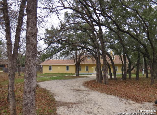 604 Leprechaun Dr, Floresville, TX 78114 (MLS #1435075) :: Alexis Weigand Real Estate Group