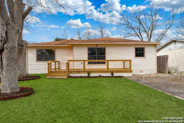 2054 W Mill St, New Braunfels, TX 78130 (MLS #1435117) :: The Mullen Group | RE/MAX Access