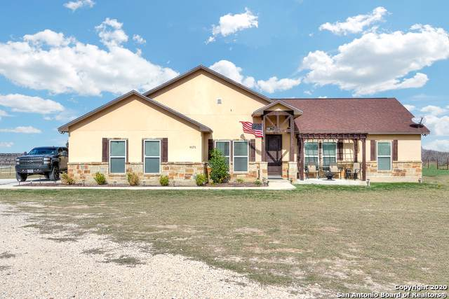 9171 S Fm-2790 W, Somerset, TX 78069 (#1435118) :: The Perry Henderson Group at Berkshire Hathaway Texas Realty
