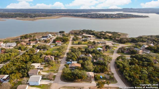 1722 Starfire, Canyon Lake, TX 78133 (MLS #1435360) :: Alexis Weigand Real Estate Group