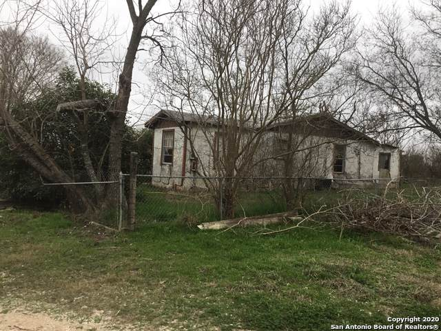 102 County Road 5719, Devine, TX 78016 (MLS #1435514) :: Alexis Weigand Real Estate Group
