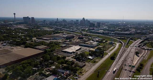1614 N Interstate 35, San Antonio, TX 78208 (MLS #1435530) :: 2Halls Property Team   Berkshire Hathaway HomeServices PenFed Realty