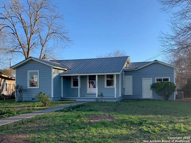 1069 Walnut St, Seguin, TX 78155 (MLS #1435564) :: Glover Homes & Land Group