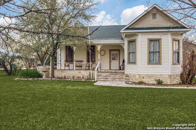136 W Evergreen St, Boerne, TX 78006 (MLS #1435609) :: Legend Realty Group