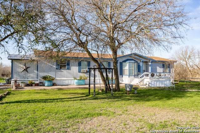 3410 Scull Road, Martindale, TX 78655 (MLS #1435611) :: The Gradiz Group