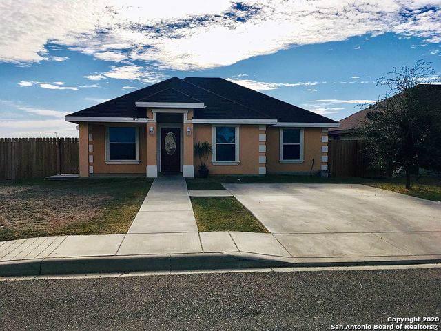 1715 Rebecca Ln, Eagle Pass, TX 78852 (MLS #1435637) :: The Gradiz Group