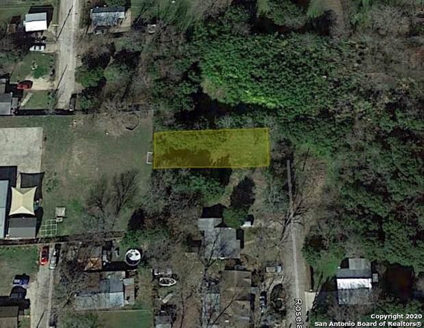 924 Roselawn St, Seguin, TX 78155 (MLS #1435639) :: Glover Homes & Land Group
