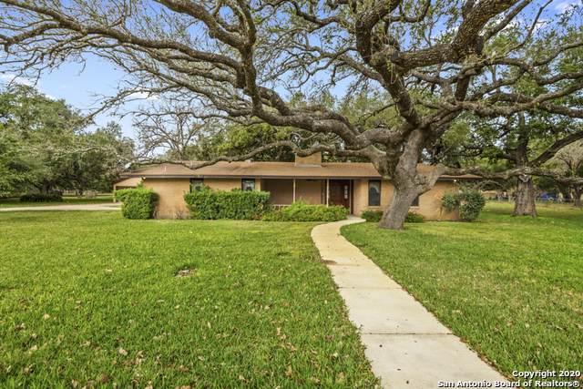 6 Oak Valley Dr, Pleasanton, TX 78064 (MLS #1435716) :: BHGRE HomeCity