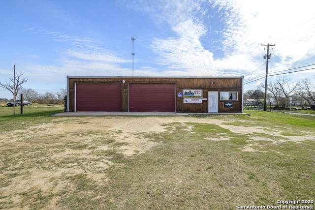 1804 2nd St, Pleasanton, TX 78064 (MLS #1435726) :: The Gradiz Group