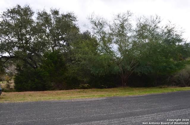818 Silent Hollow, San Antonio, TX 78260 (MLS #1435728) :: The Castillo Group