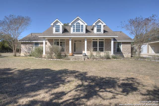 1236 Laurel Creek Dr, Lakehills, TX 78063 (MLS #1435897) :: Erin Caraway Group
