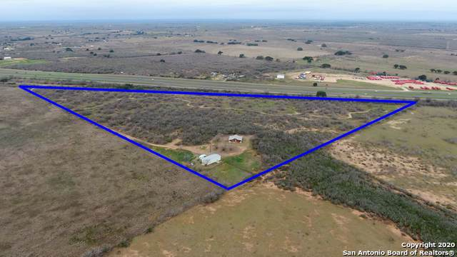 1848 County Road 2557, Moore, TX 78057 (#1435935) :: The Perry Henderson Group at Berkshire Hathaway Texas Realty