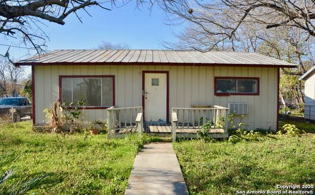 412 7TH ST, Natalia, TX 78059 (MLS #1436019) :: Carter Fine Homes - Keller Williams Heritage