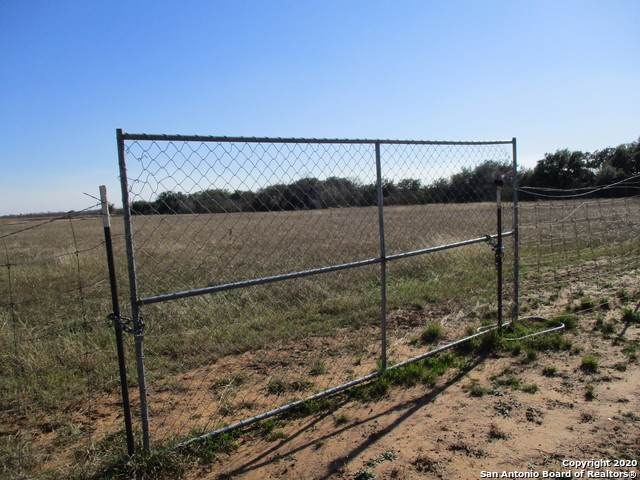 000 Bluntzer Rd., Jourdanton, TX 78026 (MLS #1436137) :: Legend Realty Group
