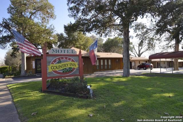 1016 N Avenue E, Shiner, TX 77984 (MLS #1436150) :: Legend Realty Group