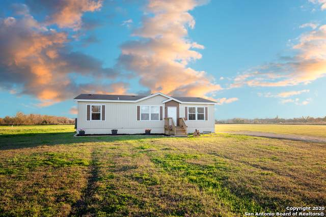682 County Road 6725, Devine, TX 78016 (MLS #1436326) :: Tom White Group