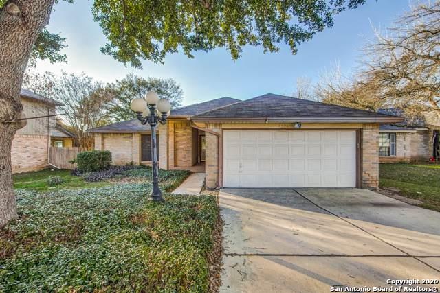 7606 Forest Moon, Live Oak, TX 78233 (MLS #1436636) :: BHGRE HomeCity