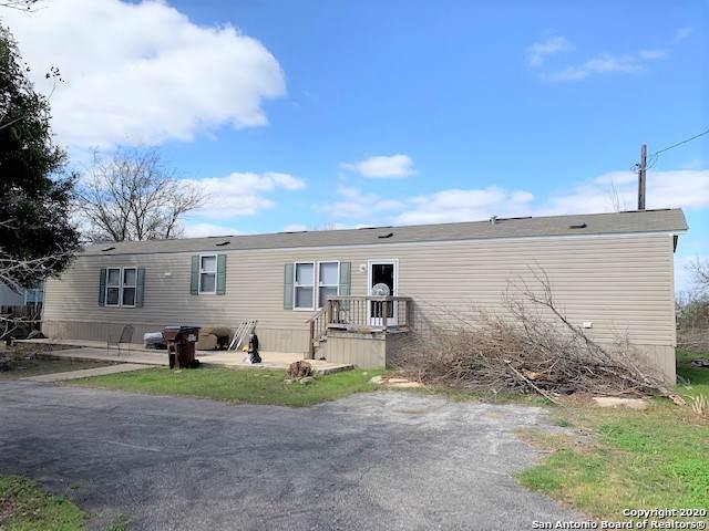 233 County Road 458, Hondo, TX 78861 (MLS #1436803) :: Reyes Signature Properties