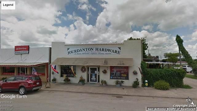 1308 Simmons Ave, Jourdanton, TX 78026 (MLS #1436947) :: Legend Realty Group