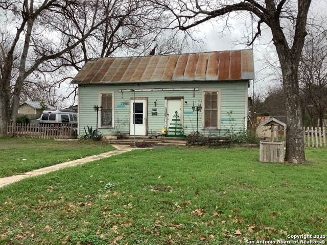 2005 Avenue F, Hondo, TX 78861 (MLS #1437499) :: Reyes Signature Properties