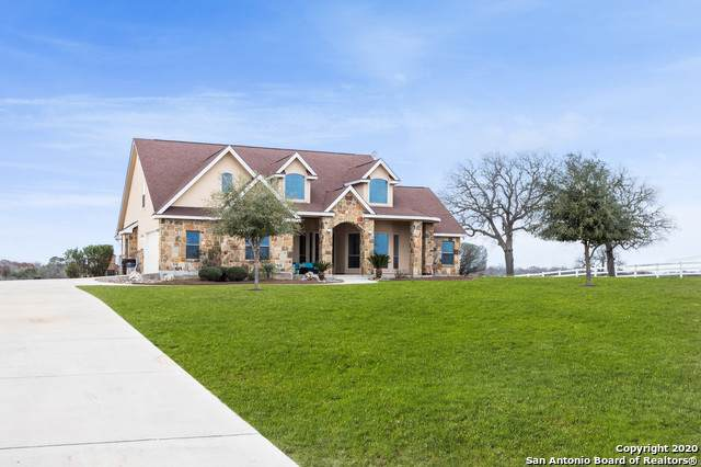 209 Abrego Lake Dr, Floresville, TX 78114 (MLS #1437658) :: The Glover Homes & Land Group