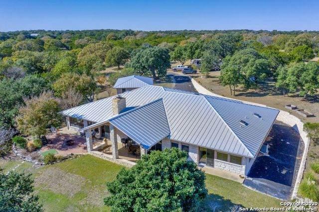 922 Shin Oak Way, Kerrville, TX 78028 (MLS #1437833) :: The Castillo Group