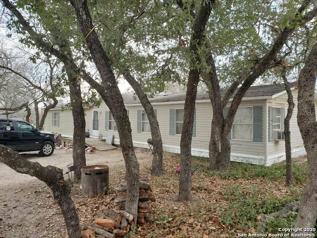 300 Ashford Circle, Poteet, TX 78065 (MLS #1438113) :: Carolina Garcia Real Estate Group