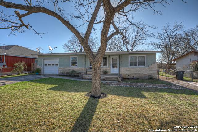 1074 Dunlap Dr, New Braunfels, TX 78130 (MLS #1438277) :: Alexis Weigand Real Estate Group