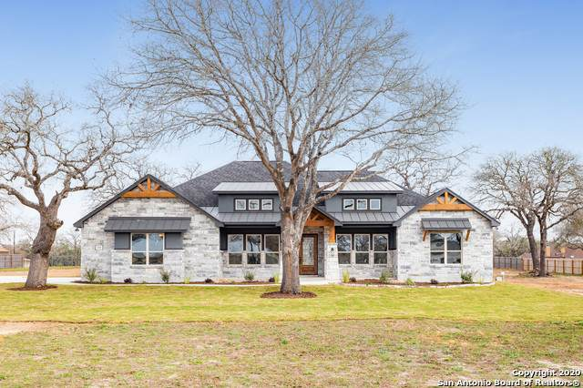 113 Woodlands Dr, La Vernia, TX 78121 (MLS #1438302) :: Tom White Group
