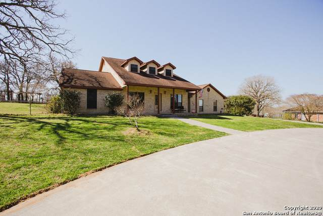 128 Country Gardens, La Vernia, TX 78121 (MLS #1438308) :: Tom White Group
