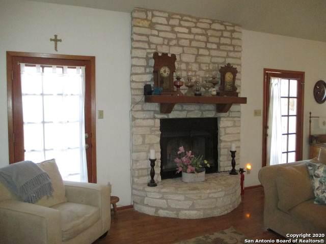 27046 Autumn Spring, Boerne, TX 78006 (MLS #1438434) :: The Gradiz Group