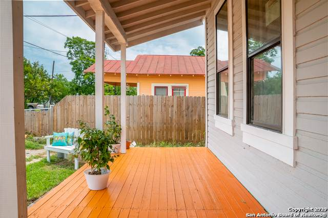 105 Spruce St, San Antonio, TX 78203 (MLS #1438513) :: The Gradiz Group
