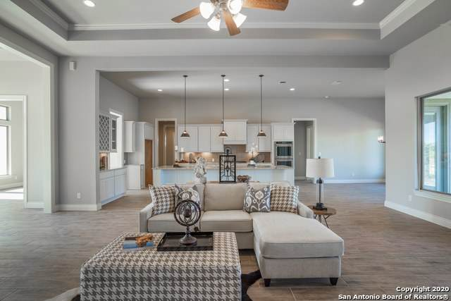 943 Belle Oaks Blvd, Bulverde, TX 78163 (MLS #1438560) :: Maverick